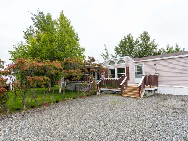 7 Loon Road, Whitehorse, Yukon  Y1A 6B9 - Photo 1 - RP4304281425
